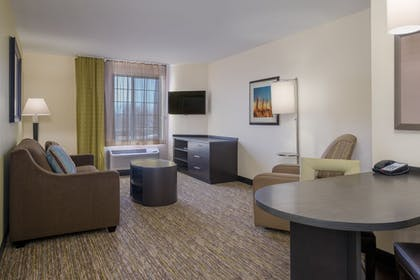 Guestroom | Candlewood Suites Midwest City