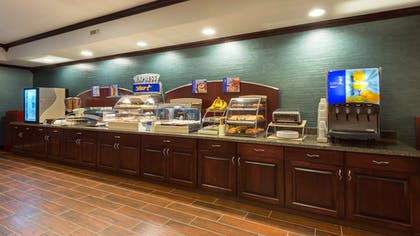 Restaurant | Holiday Inn Express Hotel & Suites Butte