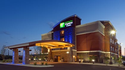 Featured Image | Holiday Inn Express Hotel & Suites Butte