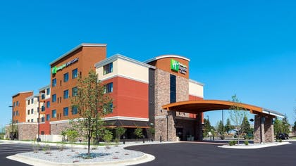 Exterior | Holiday Inn Express Hotel & Suites Butte