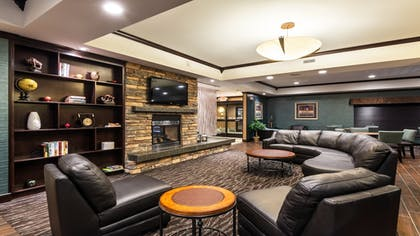 Lobby | Holiday Inn Express Hotel & Suites Butte