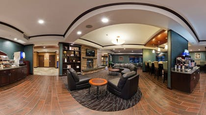 Breakfast Area | Holiday Inn Express Hotel & Suites Butte