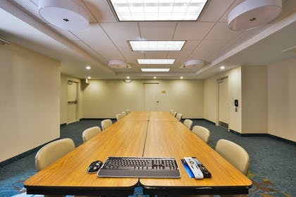Meeting Facility | Candlewood Suites Harrisburg - Hershey
