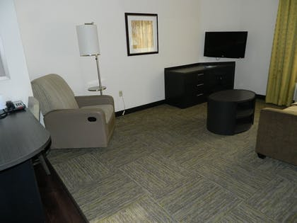 Living Area | Candlewood Suites Harrisburg - Hershey