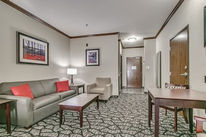 Room | Holiday Inn Express Hotel & Suites Lubbock South