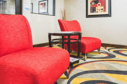 Interior Detail | Holiday Inn Express Hotel & Suites Lubbock South