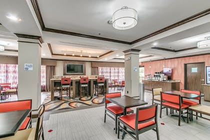 Breakfast Area | Holiday Inn Express Hotel & Suites Lubbock South