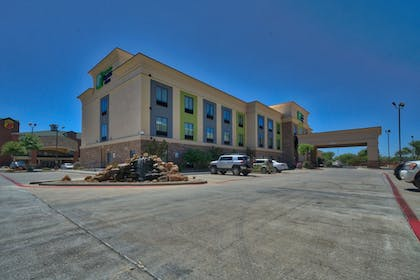 Hotel Front   Holiday Inn Express Hotel & Suites Lubbock South