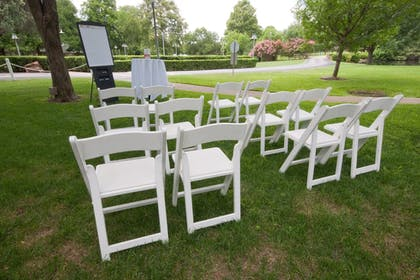 Outdoor Banquet Area | Cooper Hotel Conference Center & Spa