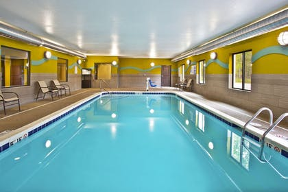 Pool | Holiday Inn Express Hastings