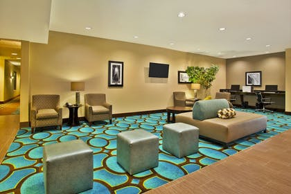Lobby | Holiday Inn Express Hastings