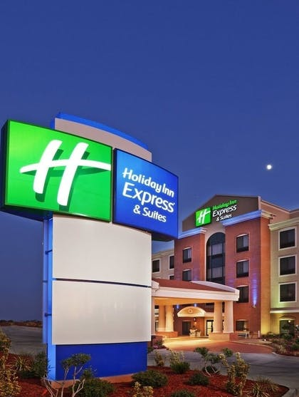 Exterior detail | Holiday Inn Express & Suites San Antonio SE By At&t Center