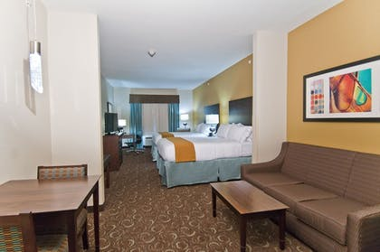 Guestroom | Holiday Inn Express & Suites San Antonio SE By At&t Center