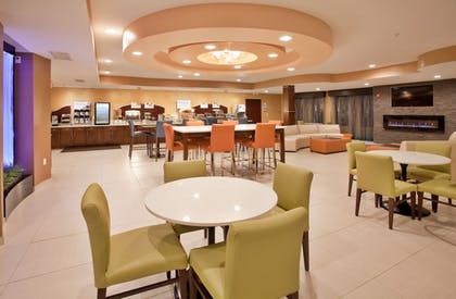 Restaurant | Holiday Inn Express & Suites St Louis Airport