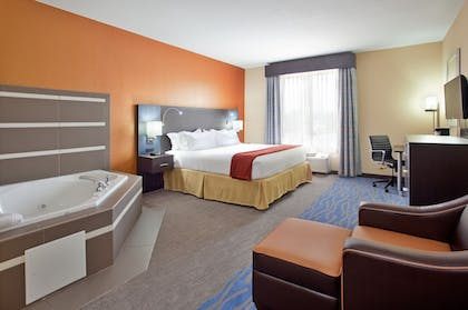 Guestroom | Holiday Inn Express & Suites St Louis Airport
