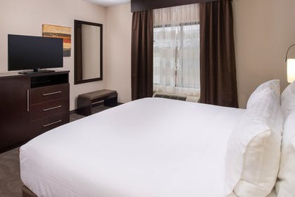 Room   Holiday Inn Express Hotel & Suites Monroe