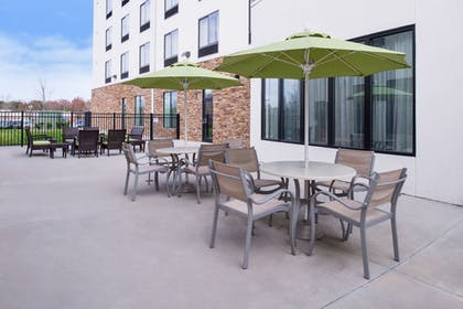 Terrace/Patio   Holiday Inn Express Hotel & Suites Monroe