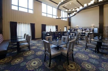 Restaurant | Holiday Inn Express Hotel & Suites Clearfield