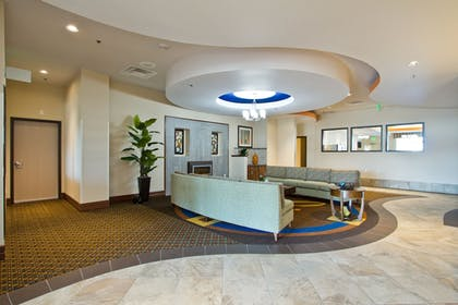 Lobby | Holiday Inn Express Hotel & Suites Denver East-Peoria Street