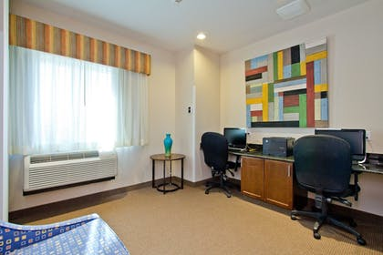 Business Center | Holiday Inn Express Hotel & Suites Denver East-Peoria Street