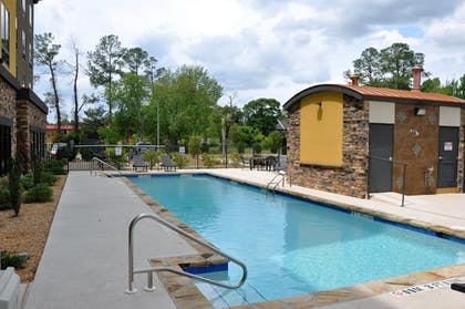 Pool | Holiday Inn Express Perry-National Fairground Area