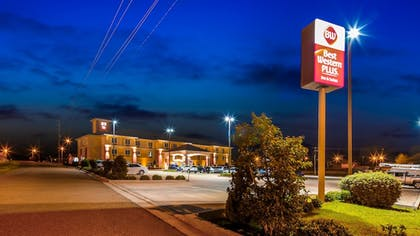 Exterior | Best Western Plus Magee Inn And Suites