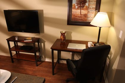 In-Room Business Center | Eagle's Den Suites at Kenedy