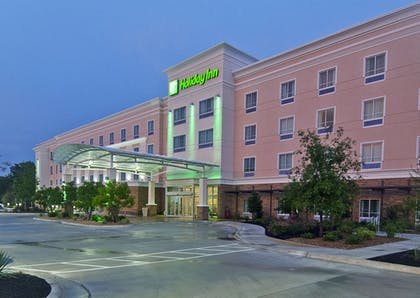 Hotel Front - Evening/Night | Holiday Inn Austin Airport