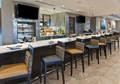 Hotel Bar | Holiday Inn Austin Airport