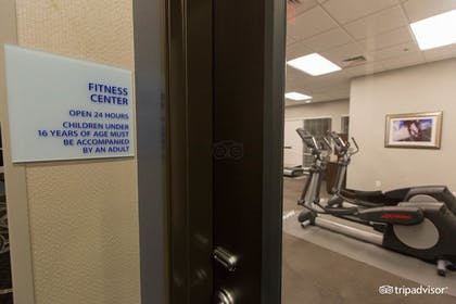 Fitness Facility | Holiday Inn Express & Suites Austin NW - Arboretum Area