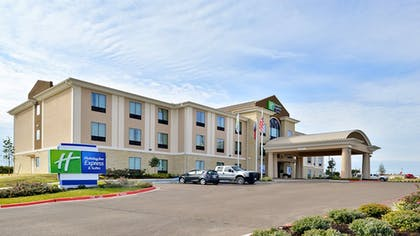 Featured Image | Holiday Inn Express Hotel & Suites Schulenburg