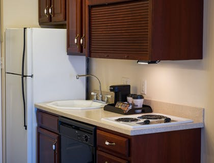 In-Room Kitchen | Hotel at Old Town