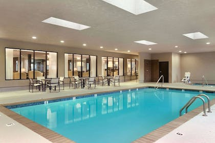Pool | Wingate by Wyndham Slidell/New Orleans East Area