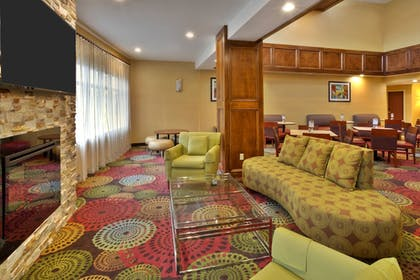 Lobby | Holiday Inn Express Hotel & Suites Frankenmuth