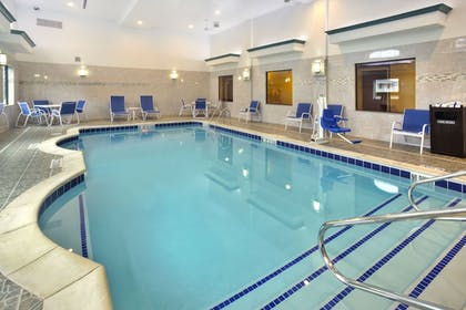Pool | Holiday Inn Express Hotel & Suites Frankenmuth