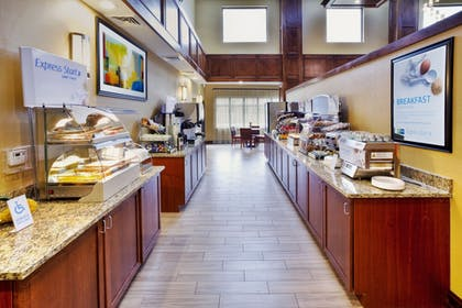 Restaurant | Holiday Inn Express Hotel & Suites Frankenmuth