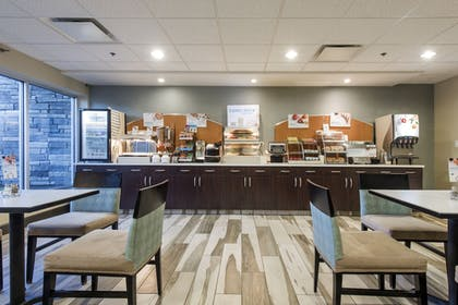 Restaurant | Holiday Inn Express Hotel & Suites Colorado Springs Central