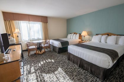 Guestroom | Groton Inn and Suites