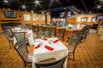 Restaurant | Groton Inn and Suites