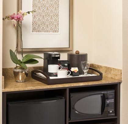 In-Room Kitchenette | Ayres Hotel Fountain Valley/Huntington Beach
