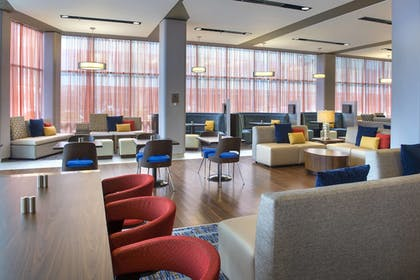 Lobby | Courtyard Philadelphia South at The Navy Yard