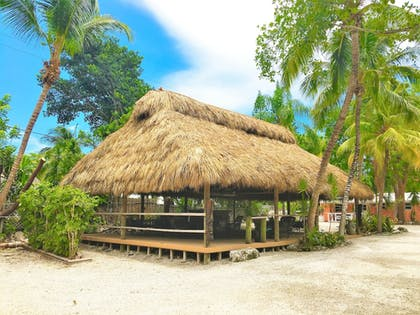 Outdoor Banquet Area | The Pelican Key Largo Cottages