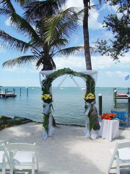 Outdoor Wedding Area | The Pelican Key Largo Cottages