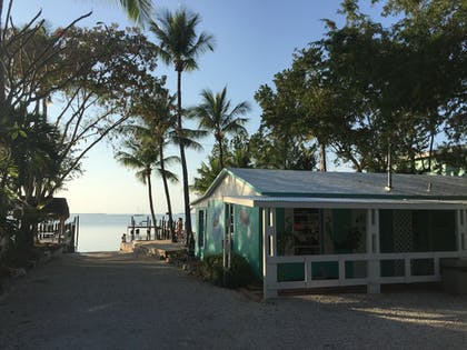 Property Grounds | The Pelican Key Largo Cottages