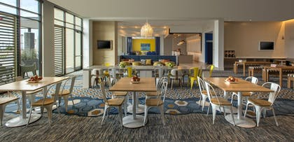 Dining | SpringHill Suites by Marriott San Diego Oceanside/Downtown