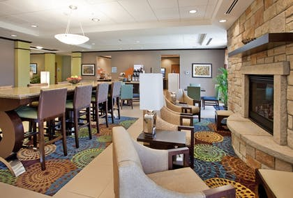 Lobby | Holiday Inn Express Hotel & Suites St. Joseph