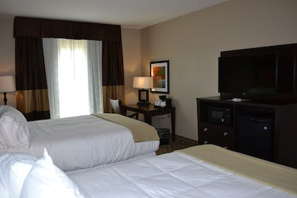 Guestroom | Holiday Inn Express Hotel & Suites St. Joseph