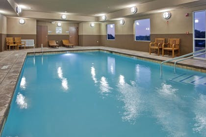 Pool | Holiday Inn Express Hotel & Suites St. Joseph