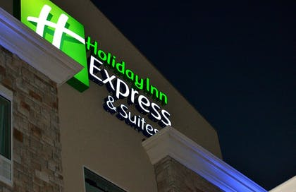 Featured Image | Holiday Inn Express Hotel & Suites St. Joseph