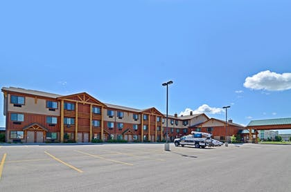 Parking | Best Western Plus Kelly Inn & Suites